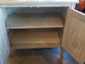 cabinet2shelves-c-2