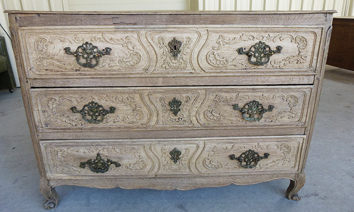 18th century Belgian Oak Commode